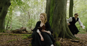 Emma Stone and Emma Stone and Joe Alwyn in The Favourite (2018)